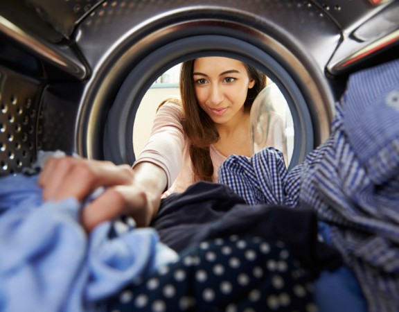 How Many Days Can Your Clothes Sit in Washer Before it Smells